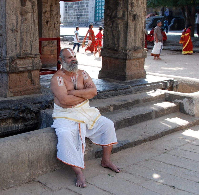 a brahmin priest in a Kanchipuram temple