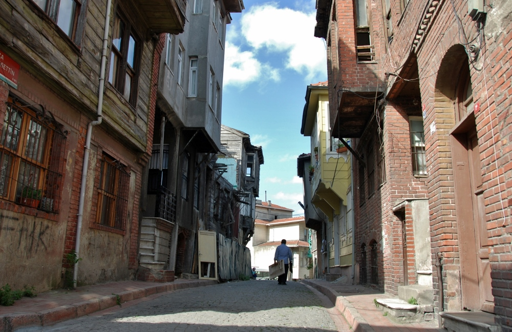 a typical street in old Istanbul