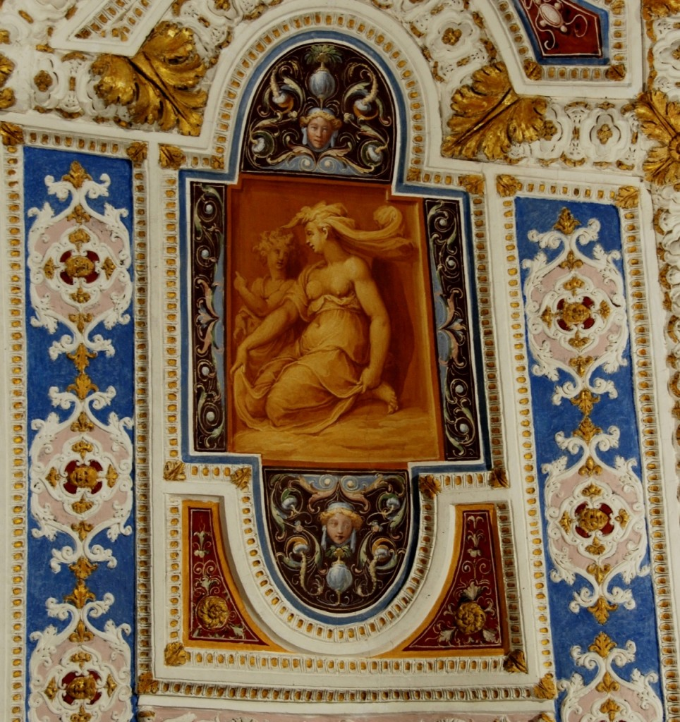 Detail in  the ceiling of the Room of the woolmakers.