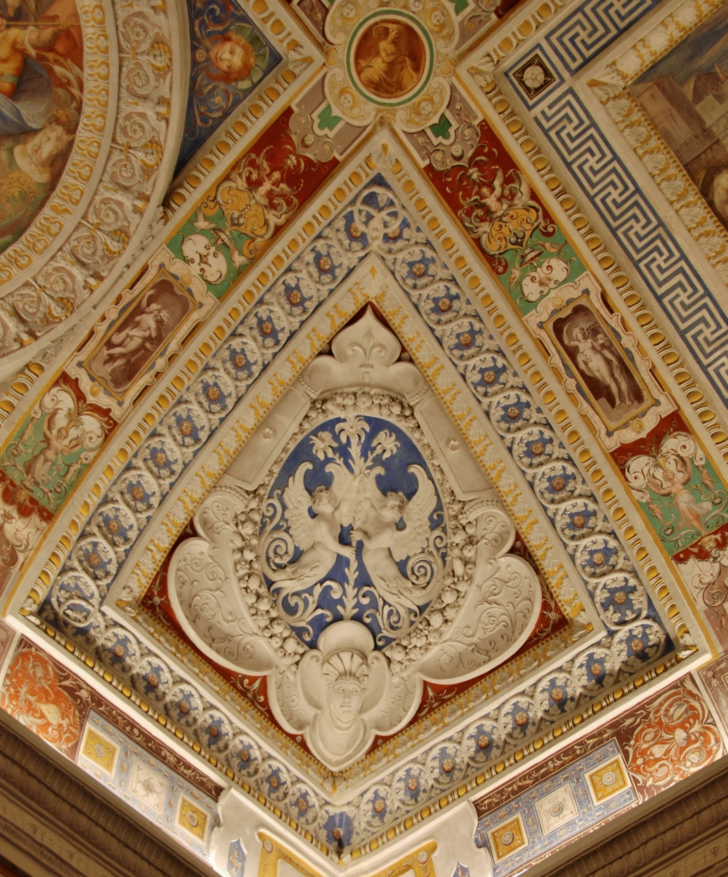 Anteroom of the Council.  Detail of a vaulted corner