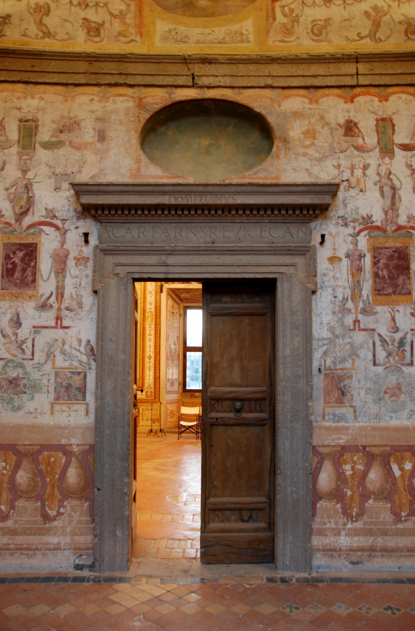 Entrance to a room on the Piano Nobile  from the Ambulatory